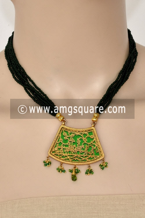 Green Traditional Thewa Pendant Set 11252